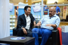 Kesh Sandhu with Harith Iskander, World's Funniest Man at Sunway Pyramid Mall, Malaysia